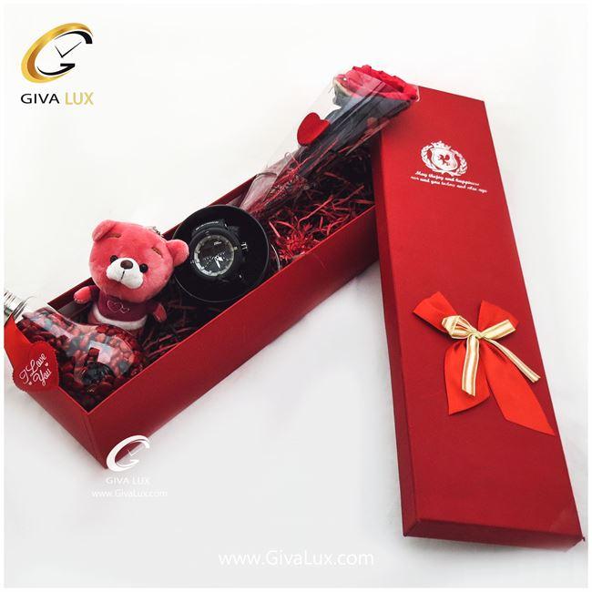 پک کادویی جعبه ، آویز خرسی ، گل و دراژه