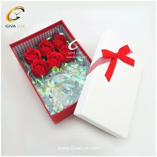 پک کادویی جعبه و گل رز معطر
