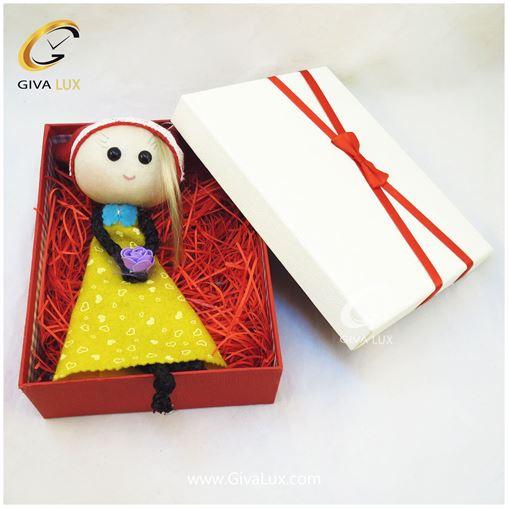 پک کادویی  شامل عروسک دخترانه و جعبه