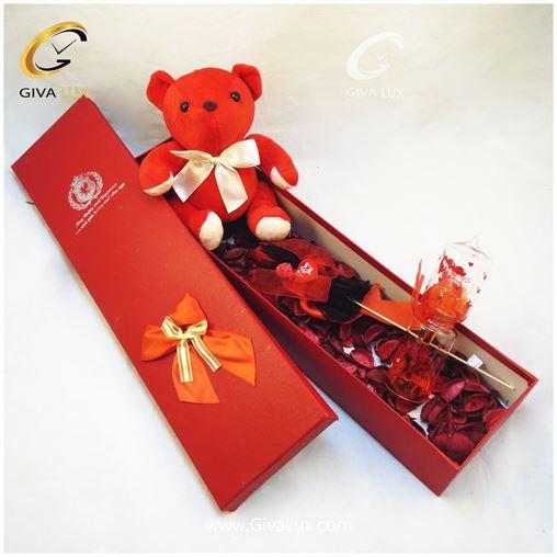 پک کادویی شامل خرس قرمز جعبه قرمز کل قرمز و لاوسنج