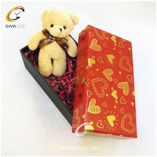 پک کادویی شامل خرس کرم رنگ جعبه