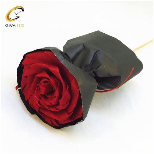 گل کاغذی قرمز و مشکی